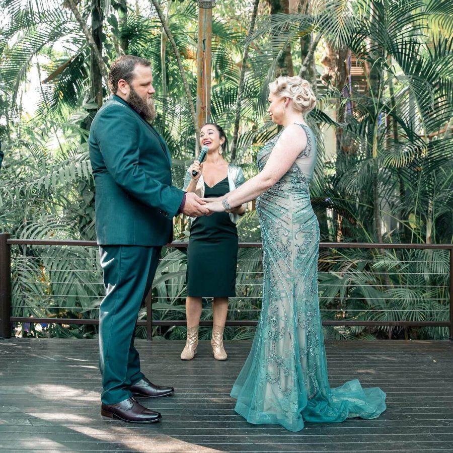 wedding-ceremony-couple-2